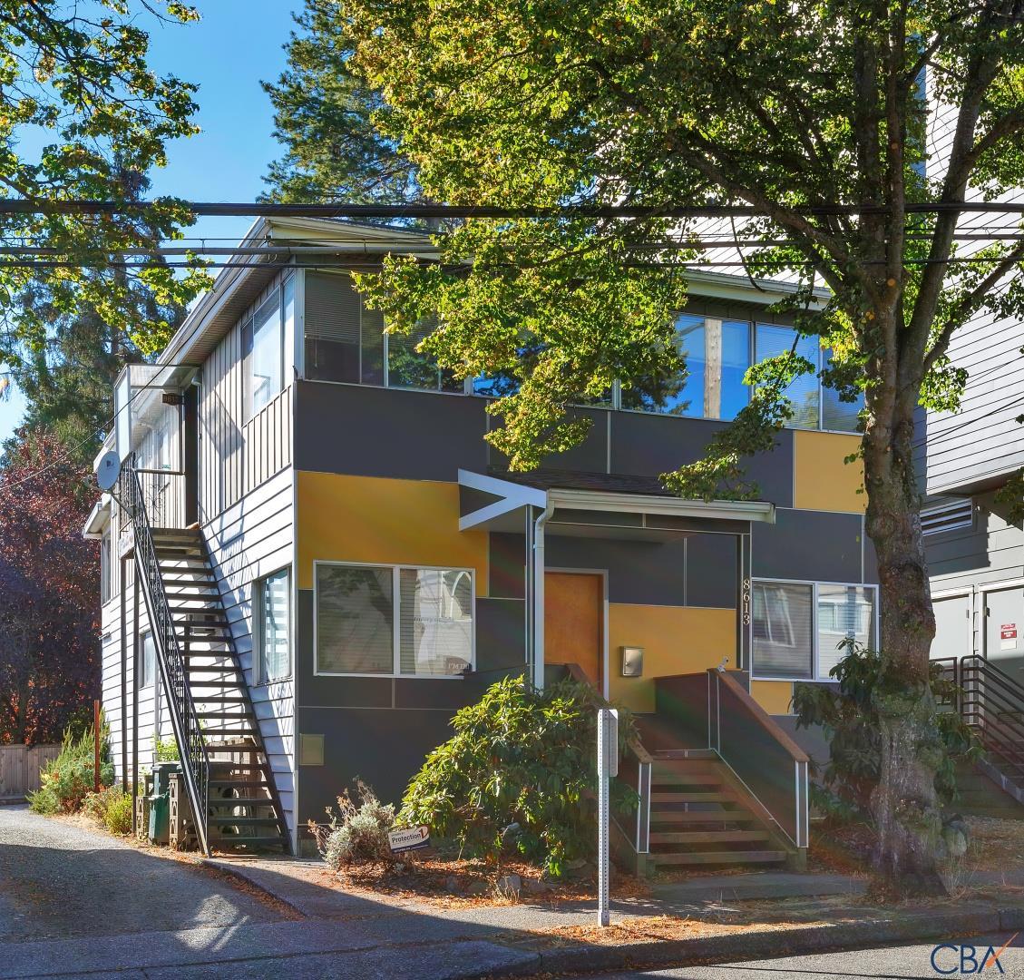 8613 Roosevelt Way Ne Seattle Wa 98115 Merry Maids
