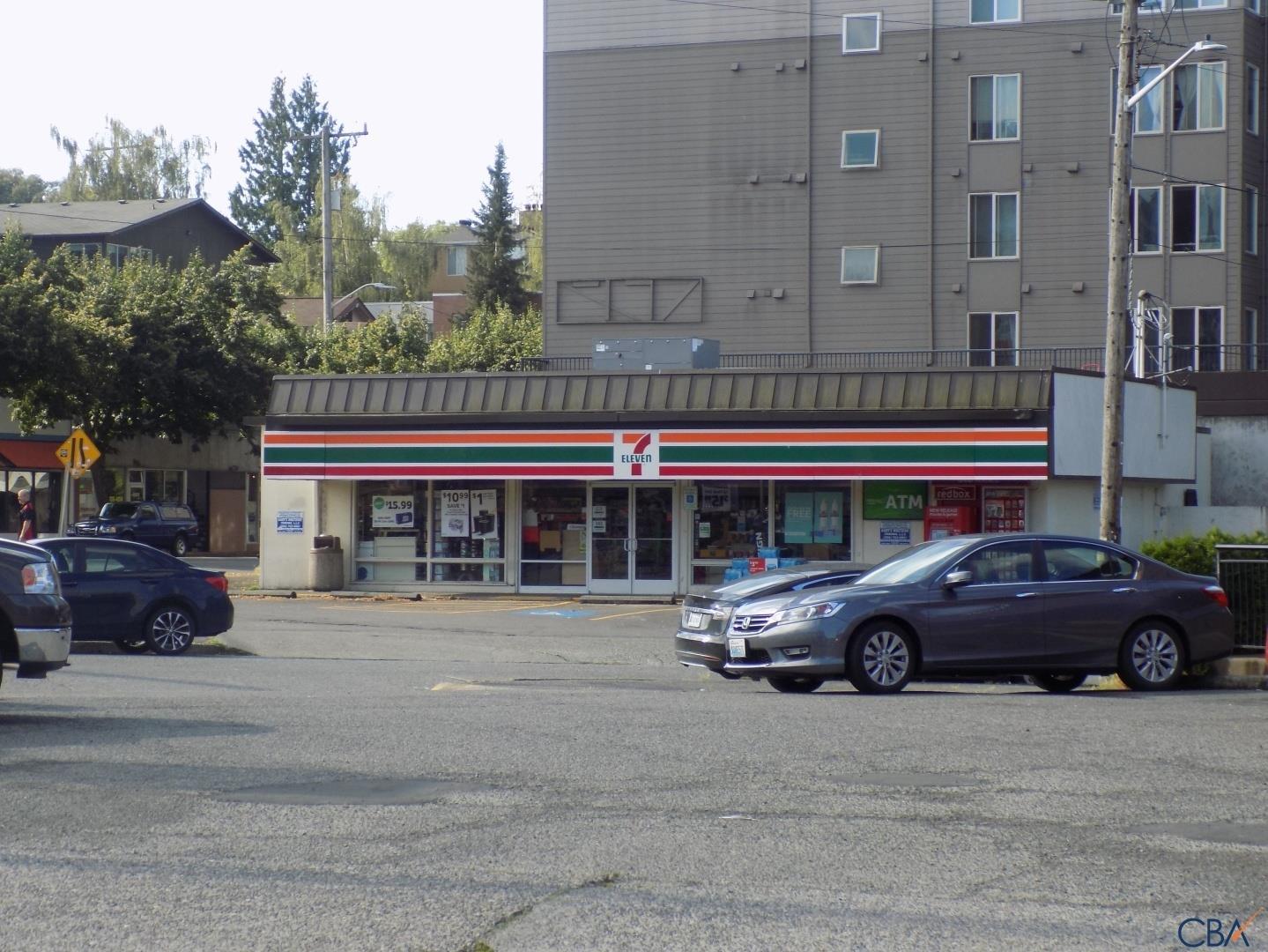 West Seattle Junction 7-11
