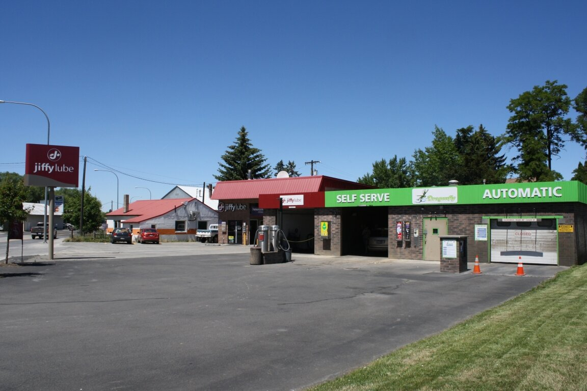Located at the corner of Hwy 8 and Hwy 95 with average daily traffic counts of 14,015, this centrally located Jiffy Lube is an ideal NNN investment with 12 years remaining on the initial term. The franchisee has enjoyed strong consistent sales since opening.
